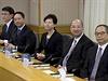 Delegace, která na jednání s prodemokratickými aktivisty zastupuje hongkongskou vládu.