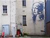 Banksyho dívka s perlou je�t� op�ed tím, ne� byla po�kozena vandalem. | na serveru Lidovky.cz | aktu�ln� zpr�vy