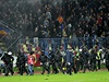 A� se zpo�d�ním zasahovali t�kood�nci, aby situaci na stadionu uklidnili. | na serveru Lidovky.cz | aktu�ln� zpr�vy
