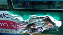 Des�tky ultraortodoxn�ch �id� za�to�ily v pond�l� na autobusy, na kter�ch byly...