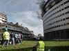 V Paříži hoří budova veřejnoprávního rozhlasu, stanice nevysílají