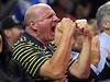 Nový majitel Los Angeles Clippers prožívá zápas velmi emotivně.