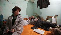 V�chod Ukrajiny pod palbou. M�sta na frontov� linii jsou navzdory p��m��� d�le...