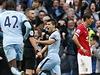 Gól! Fotbalisté Manchesteru City se radují ze vst�elené branky. | na serveru Lidovky.cz | aktu�ln� zpr�vy