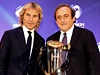 Pavel Nedvěd (vlevo) a Michel Platini.