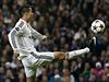 Cristiano Ronaldo v �anci proti Liverpoolu.