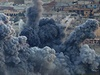 Exploze po n�letech na m�sto Kobani. Koali�n� letadla se sna�� zastavit postup...