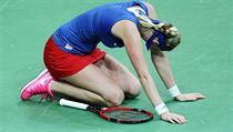 """Křeče a vyčerpání, Petra Kvitová si v rozhodujícím zápase sáhla na dno. """"Chtěla jsem bojovat do posledních sil,"""" řekla po zápase."""