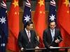 Australský premiér Tony Abbott a čínský prezident Si Ťin-pching na jednání v...