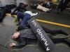 Víceméně poklidný protest, připomínající 100 dní od zastřelení Michaela Browna...