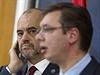 Albánský premiér Edi Rama (uprostřed) vyzval v Bělehradě srbskou vládu k uznání...