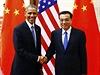 Americký prezident Barack Obama (vlevo) s čínským premiérem Li Kche-čchiangem.