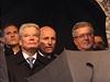 P�i projevu prezidenta Milo�e Zemana za�aly vzduchem l�tat raj�ata a vaj��ka....