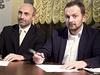 Jan Korytá� (Zm�na) a Tibor Batthyany (ANO) p�i podpisu koali�ní smlouvy v... | na serveru Lidovky.cz | aktu�ln� zpr�vy