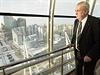 Prezident Miloš Zeman 25. listopadu v kazašské Astaně  na vyhlídkové věži...