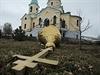 Následkům bojů na východě Ukrajiny se nevyhnuly ani církevní stavby.