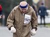 Sedmaosmdesátiletý Jiří Soukup se stal nejstarším Čechem, který uběhl maraton.
