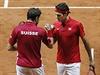 Fin�le tenisov�ho Davisova poh�ru Francie - �v�carsko: Wawrinka (vlevo) a...