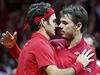 Finále tenisového Davisova poháru Francie - Švýcarsko: Federer (vlevo) a...