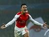 Alexis Sanchez z Arsenalu slaví gól.