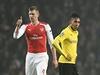 Per Mertesacker se raduje z gólu Arsenalu proti Dortmundu.