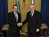 Prezident Miloš Zeman (vpravo) se sešel 24. listopadu v Astaně s kazašským...