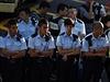 Policisté v ulicích Hongkongu.