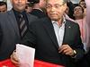 Prozatímní hlava Tuniska Munsif Marzúkí (vpravo).