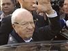 Tunisko �ije prvn�mi svobodn�mi volbami prezidenta. Favorit Ka�d Sibs� zdrav�...