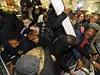 Černý pátek v tradiční podobě je v USA v kamenných obchodech spojen se zábavou...