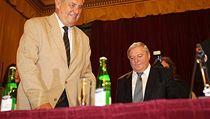 Milo� Zeman (vlevo) a Miroslav �louf  p�i zakl�d�n� nov� politick� strany, SPOZ.