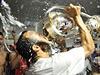 Landon Donovan se raduje z dalšího titulu v MLS.