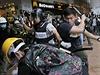 Brutální zásah proti demonstrantům v Hongkongu