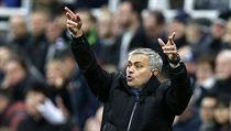 Rozlad�n� tren�r Chelsea Jos� Mourinho.