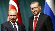 Minulost? Vladimir Putin (vlevo) s tureck�m prezidentem Recepem Tayiipem...