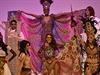 Finalistky soutěže Miss World na pódiu v ExCel centeru v Londýně.