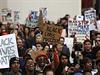 Protesty, v některých případech násilné, propukají v USA od listopadu, kdy...