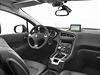 Díky zvýšené poloze a širokému čelnímu sklu má řidič výborný přehled a získává...