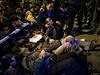 Policie zatýká demonstranty