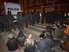 Aktivisté se 13. prosince znovu pokusili obsadit chátrající objekt v Praze na...