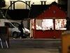 Řidič na vánočních trzích v Nantes najel do lidí a vykřikoval Alláhu akbar. Pak...
