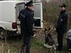 Na místě pomáhal i policejní pes