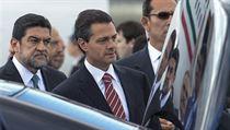 Mexický prezident Enrique Peña Nieto (uprost�ed) | na serveru Lidovky.cz | aktu�ln� zpr�vy