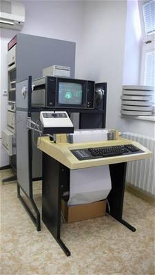 PDP počítač 2