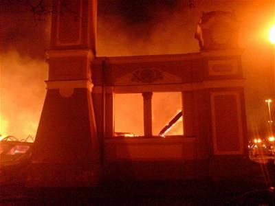 ANALÝZA: Úmyslně založený požár Průmyslového paláce