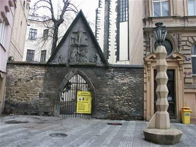 Emil Králíček - lampa na Jungmannově náměstí 2