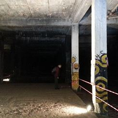 Stalin�v pomn�k - podzem� 2