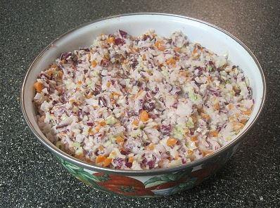 Den odle�el� coleslaw z b�l�ho a �erven�ho zel�; autor Mari�ka Crossette