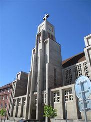 Sl�ma - kostel Bo�sk�ho srdce P�n�