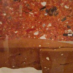 7 Vnitřní stuktura keramiky ze starověké dílny